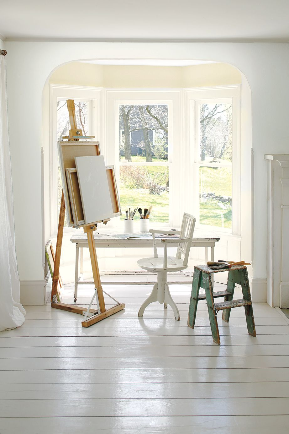 Benjamin Moore's 2016 Colour of the Year? Simply White