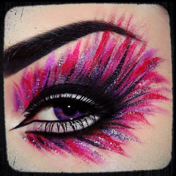 Peacock Inspired Dramatic Eye Makeup Ideas #eyemakeup