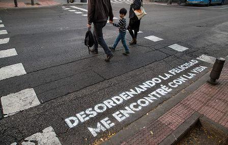 El arte como dinamización urbana: la poesía en los pasos de cebra de #Madrid. #art