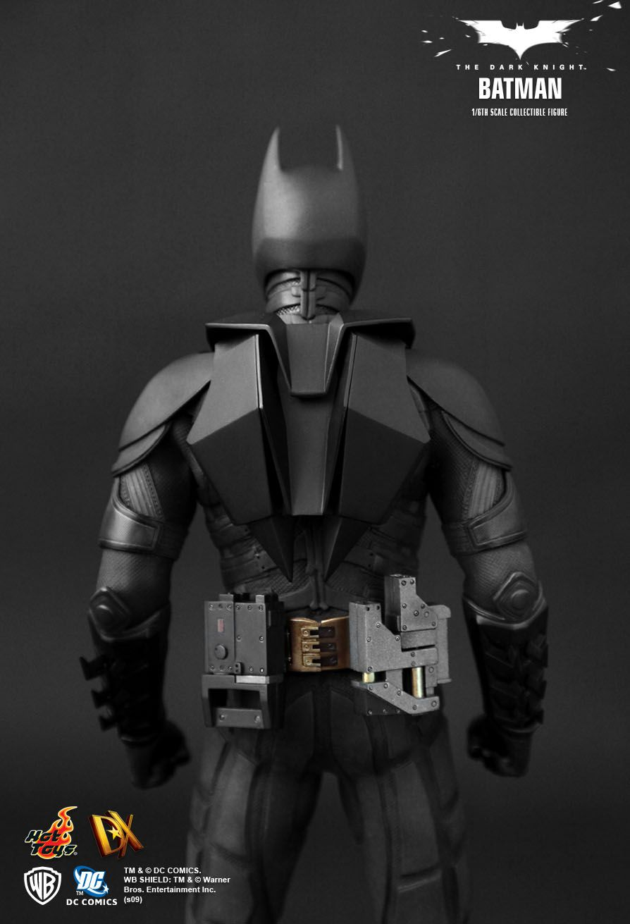 Hot Toys The Dark Knight Batman 1 6th Scale Collectible Figure