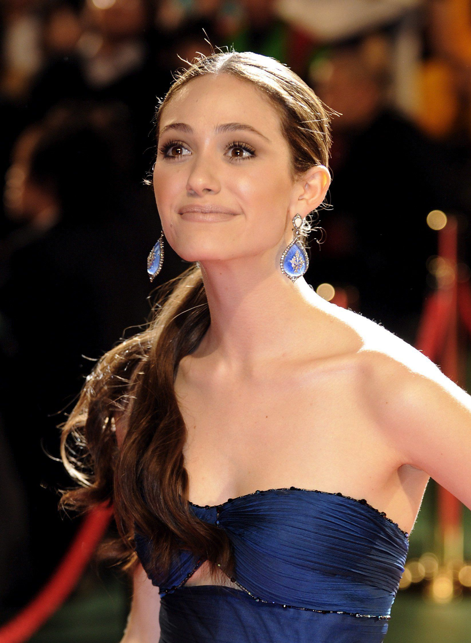 Emmy Rossum Aka Fiona Gallagher On Shameless 3 Emmy Rossum Style Emmy Rossum Sheer Beauty