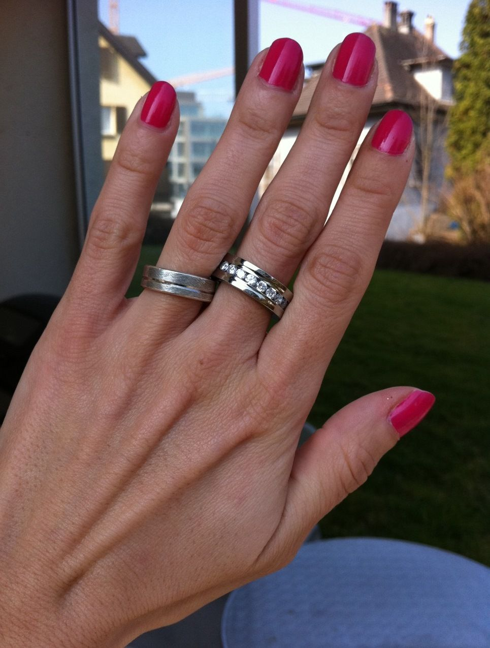 Saturnus-ring (middle-finger) and Chanel Rose Exuberant nail polish. Nice combo? :)