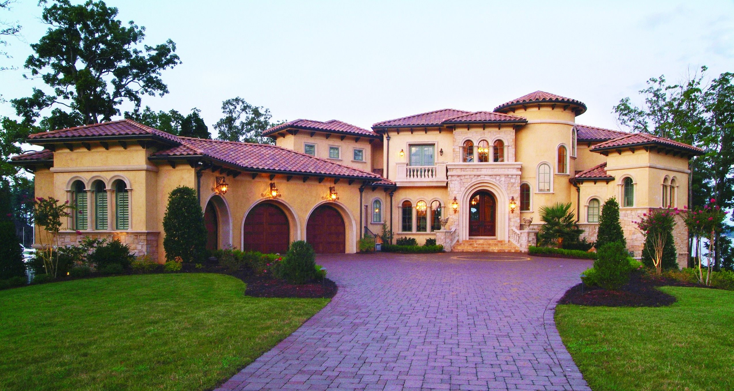 Luxury Home Plans - Luxury Home Designs from HomePlans.com ...