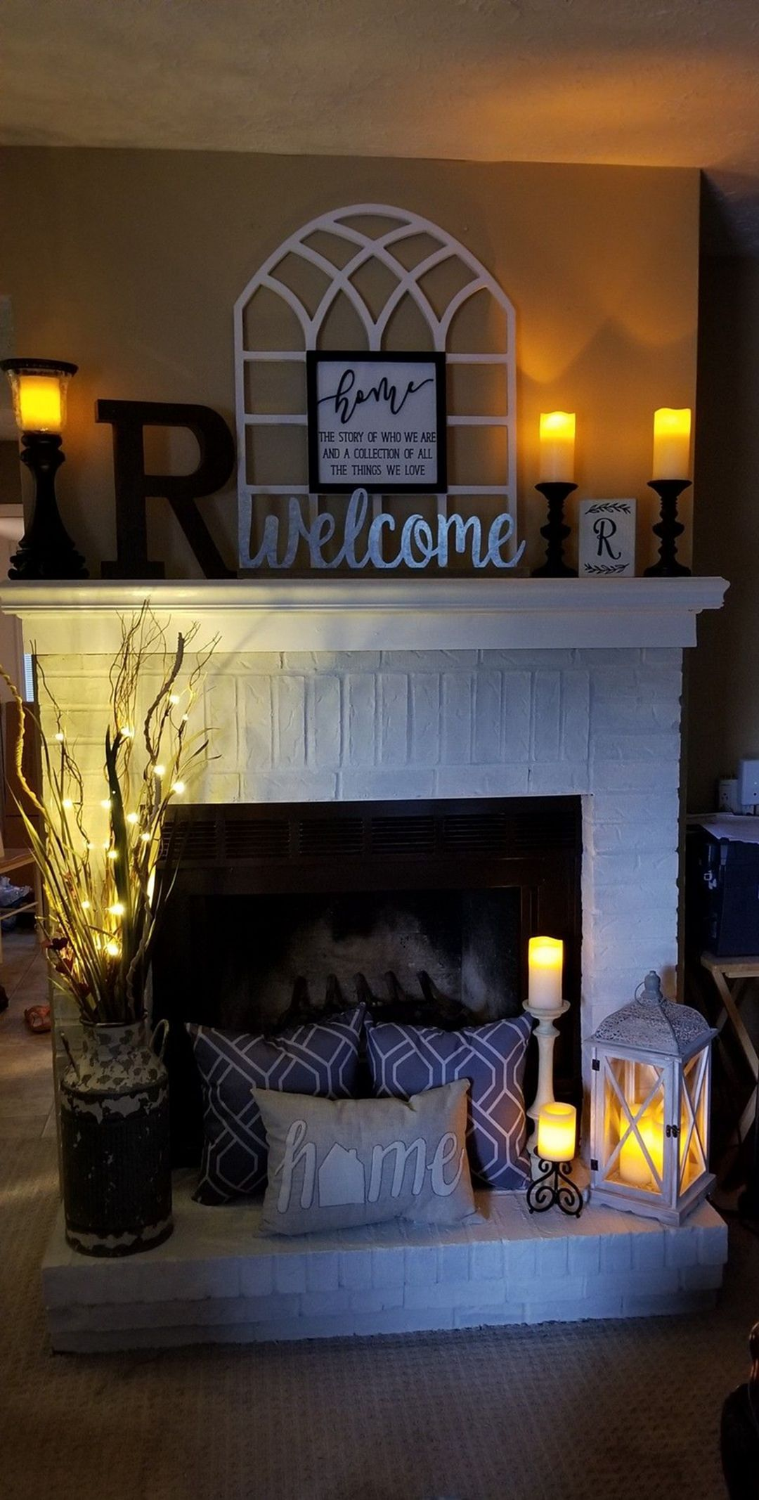 beautiful farmhouse fireplace mantel decorations that will make you more comfort also rh pinterest