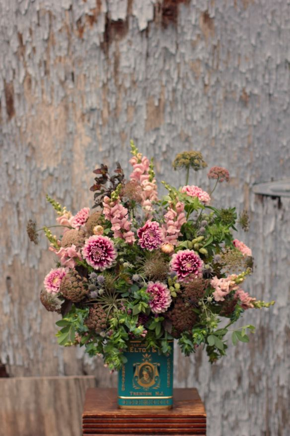 {Jennie {Love 'n Fresh}  Dahlia 'Frost Nip', cerinthe, daucus, monarda, eryngium, snapdragon, ninebark, baptisia foliage and pods, mountain mint, air plants}