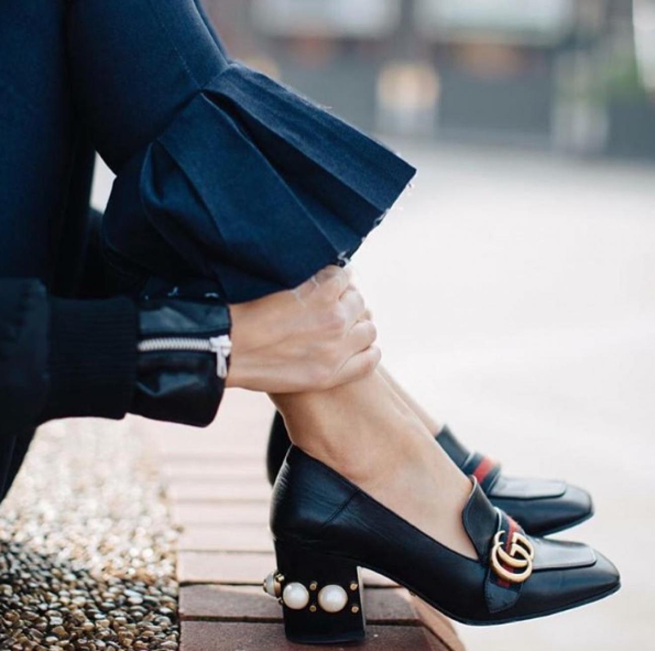 39bfb231bead Leather mid-heel loafer