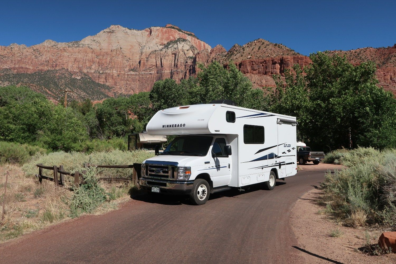 How To Rent An Rv For Only 1 A Day Rent Rv Recreational Vehicles Rv Rental