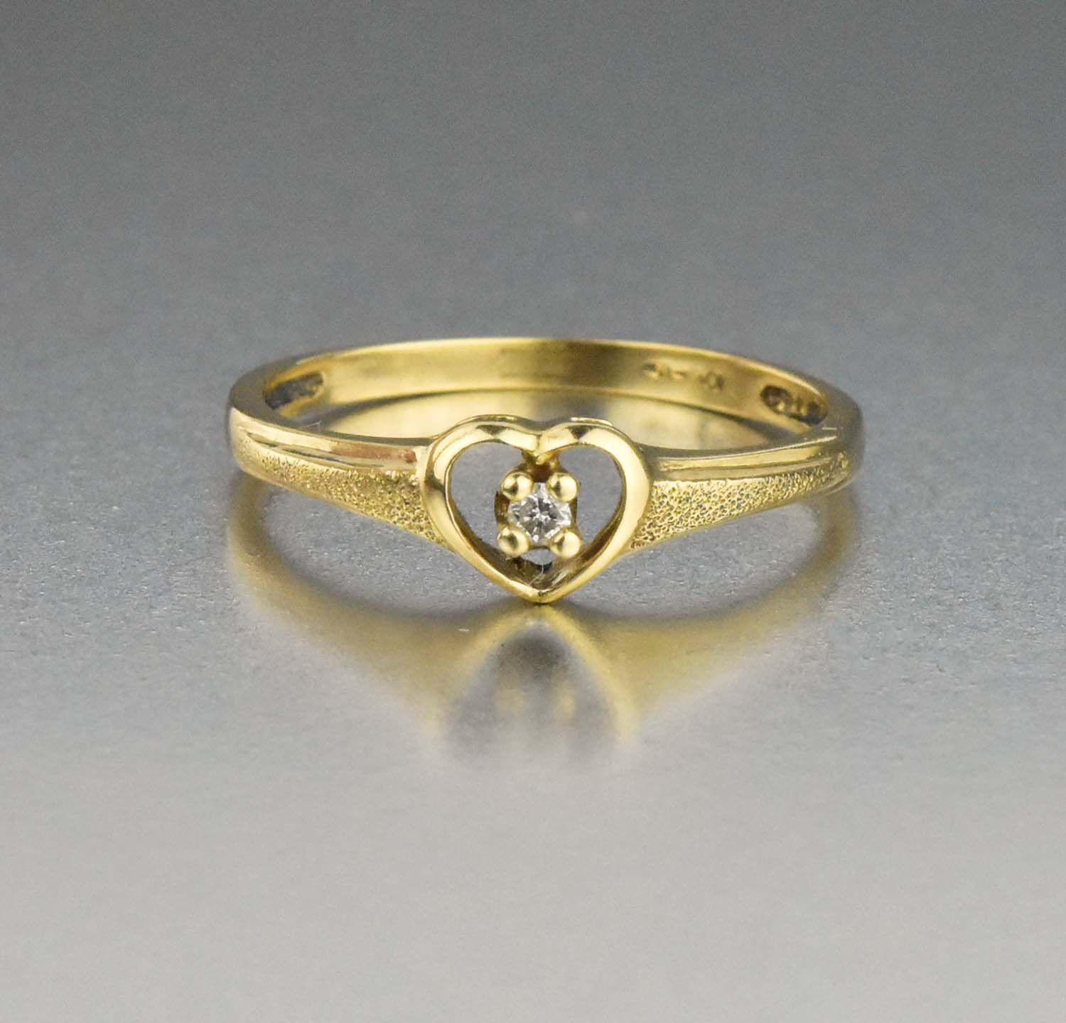 Best Friends Vintage Diamond Heart Ring 10k Gold Heart Diamond Gold Vintage Intage Ring Gate Shop Gold Ring Designs Diamond Heart Ring Antique Jewelry