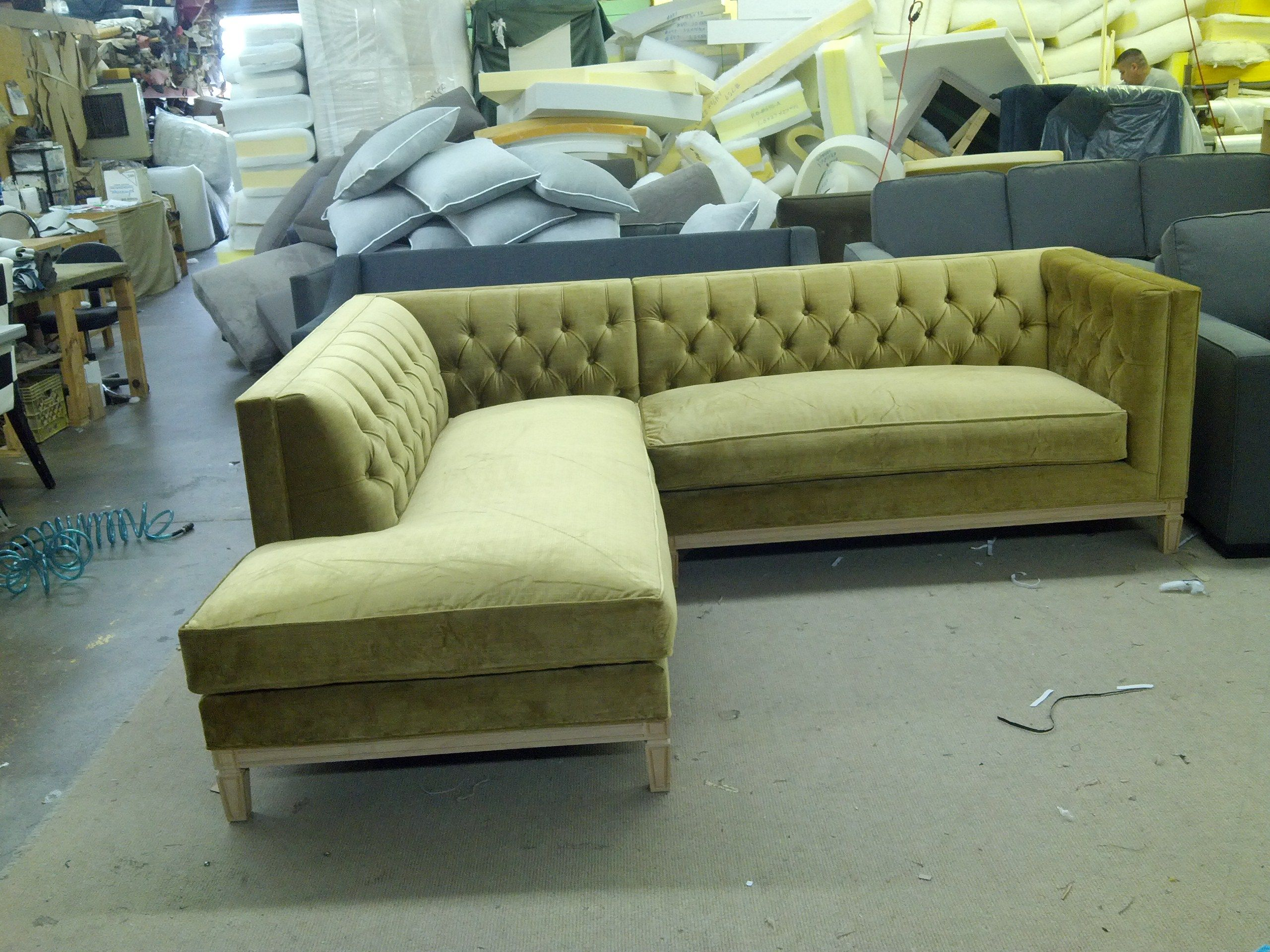 Brilliant Diamond Tufted Sectional From The Sofaworks 2100 Irving Pabps2019 Chair Design Images Pabps2019Com