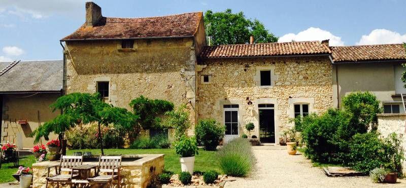 Gite Au Fil De L Eau 86300 Bonnes Gite Gite Rural Maison Ronde