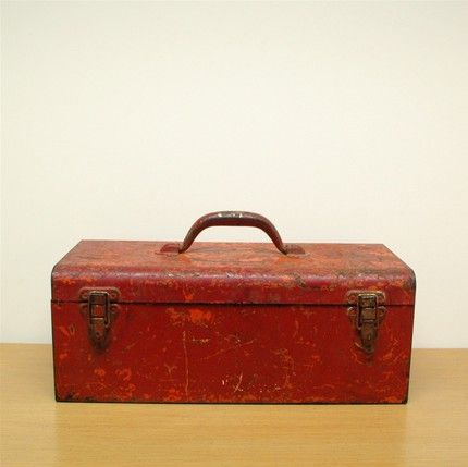 TOOL BOX ANTIQUE