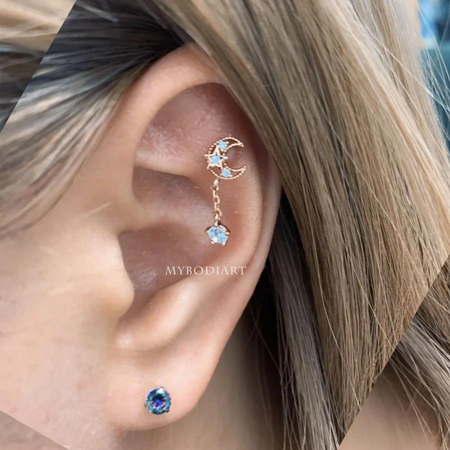 Beautiful fan shaped pretty gold plated with black /& white enamel  earrings   for pierce ears