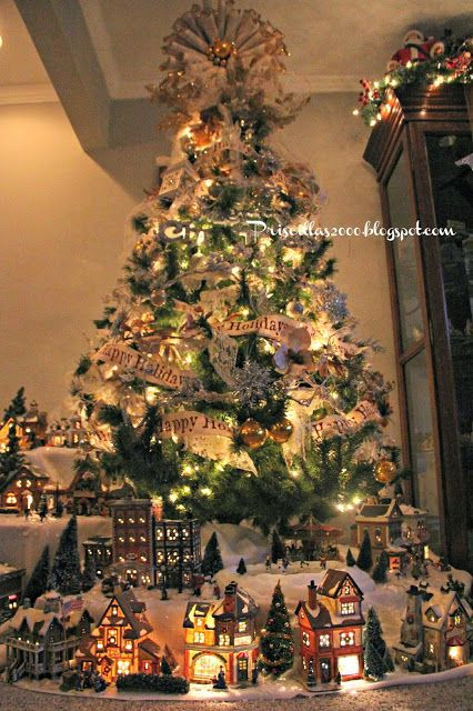 Love this Christmas village and tree from @Priscilla Pham Pham Blain