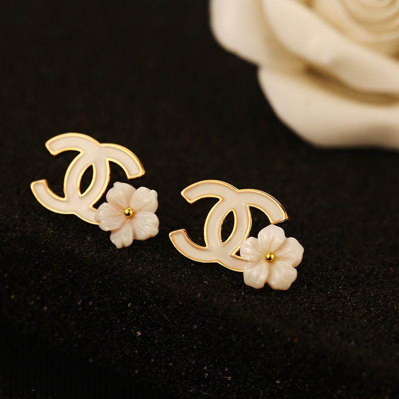 potrivire clasică cele mai recente cele mai noi 🌹 pin : victtttttttoria 🌹   Coco chanel fashion, Cute jewelry ...