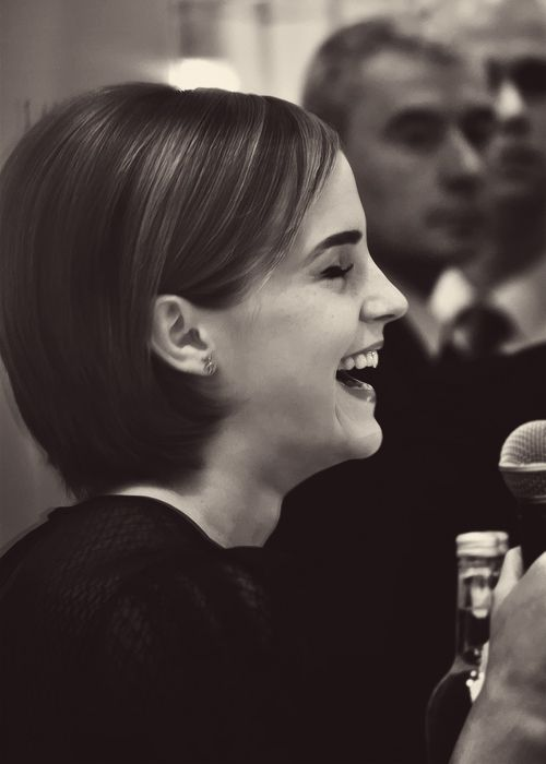 We Emma Perks Of Being A Wallflower Short Hair Styles Emma Watson