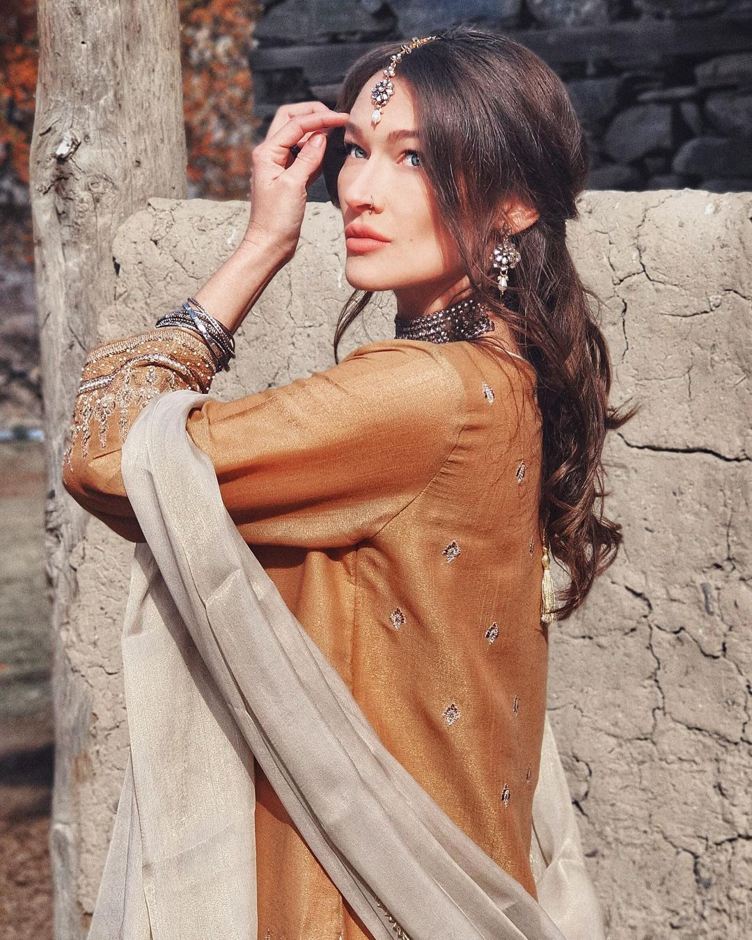 CHANGING MY NAME Rosie Gabrielle in Pakistan / @rosiegabrielle