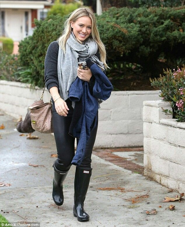 Hilarry Duff Hunter Boot Outfit In 2019 The Duff Hilary