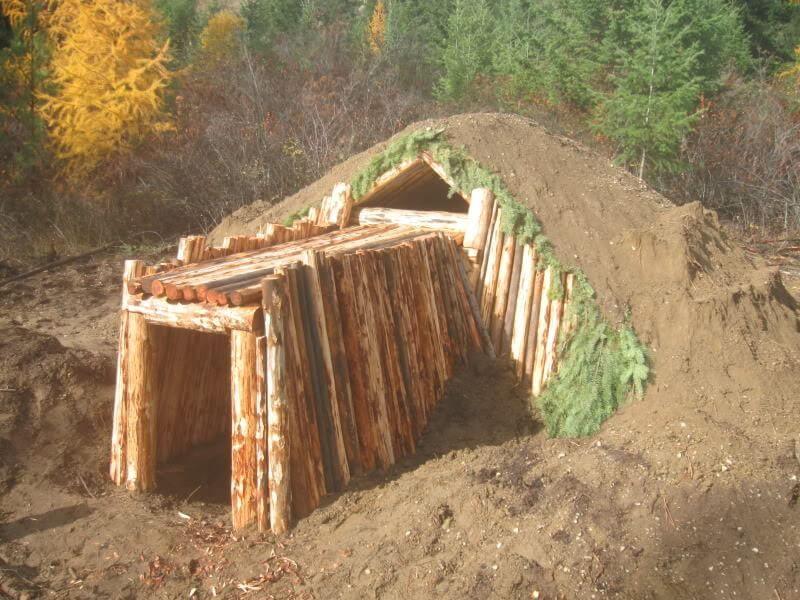 Bug Out Bunker : Diy survival earth shelter dwelling underground