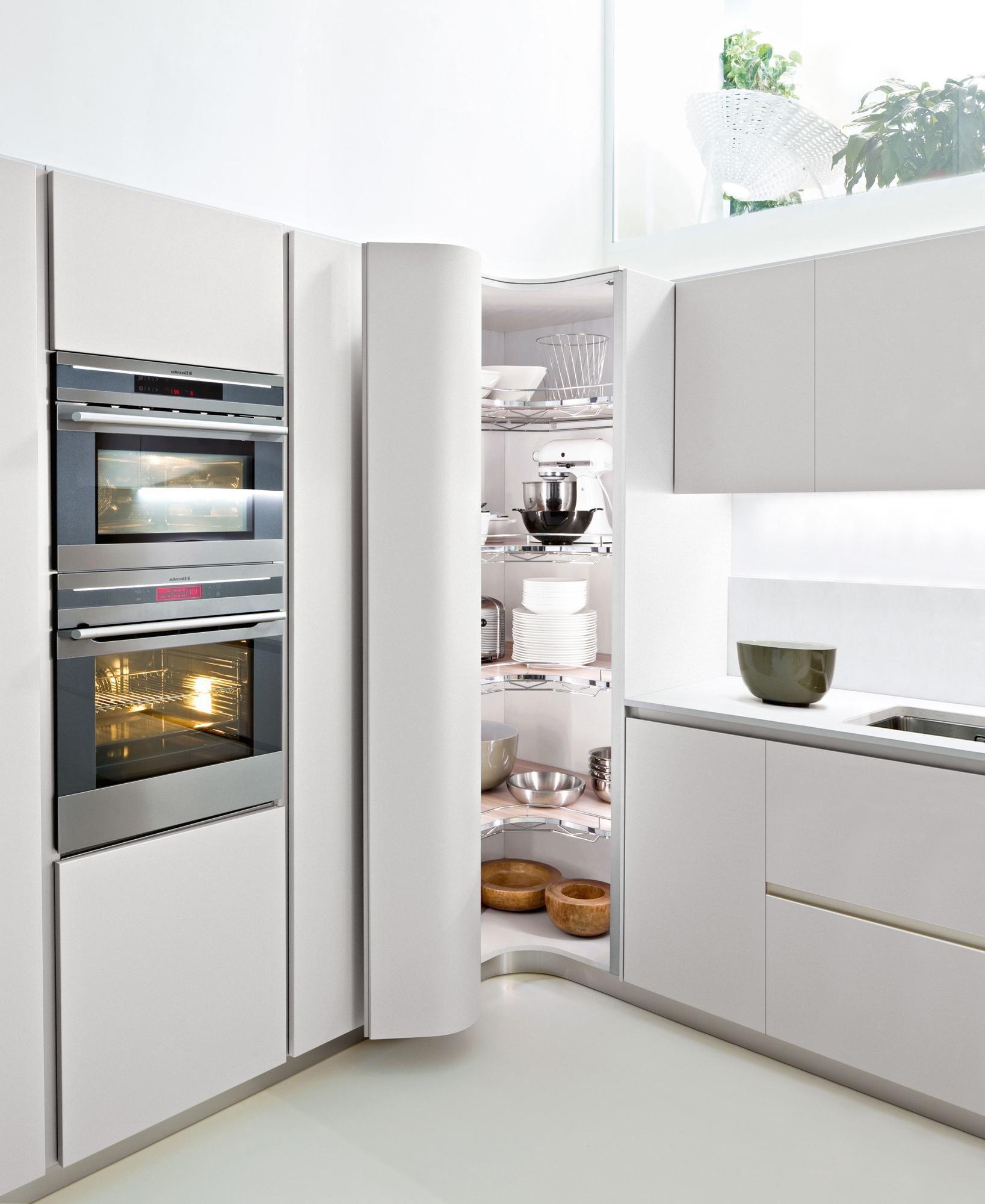 Hoek vd keuken wordt een voorraadkast | Arredamenti cucina ...