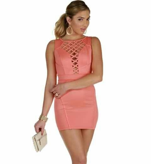 Me gusta el vestido :)