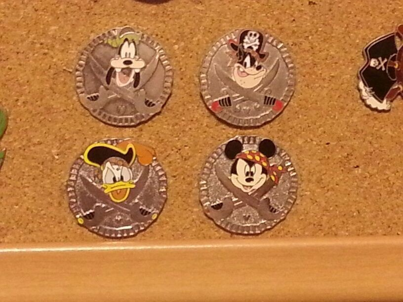 2006 Disney Hidden mickey pins Pirate Coins (doubloons) set of 4 #46