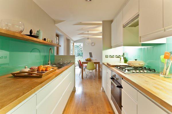 Einrichtung kleiner Küche | Eingebauter Kühlschrank, Eingebaut und ...