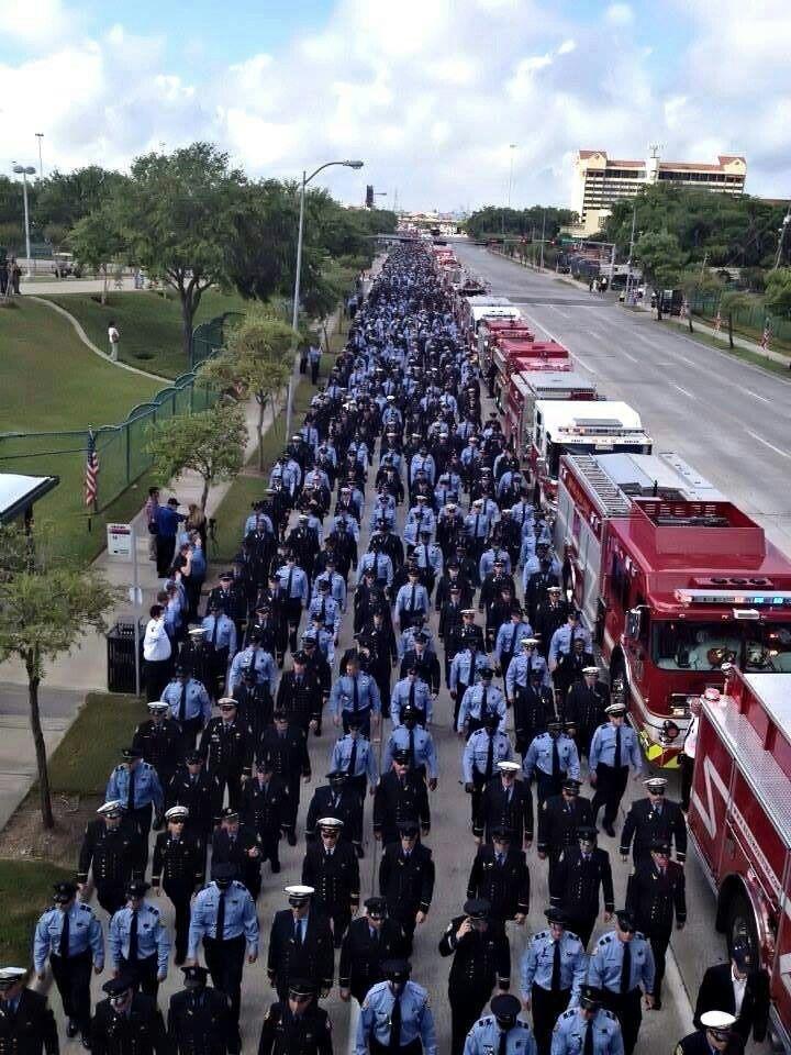 Honoring houstons fallen firefighters 5312013