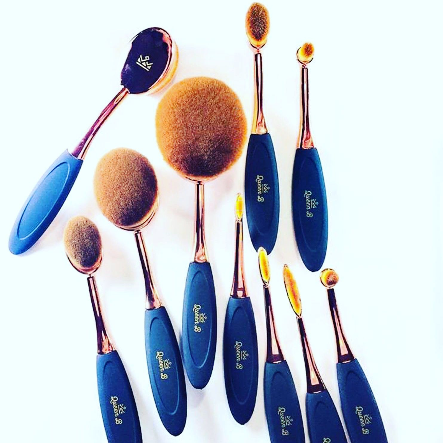 The Best 10 piece Oval MakeUp Brush set in rose gold for