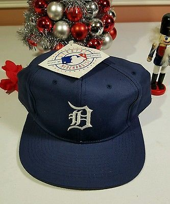 f4166b10505b0 Detroit Tigers MLB Old School Logo Snapback Hat Cap