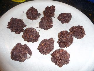 Fit By Definition: NO BAKE COCONUT CHOCOLATE BALLS