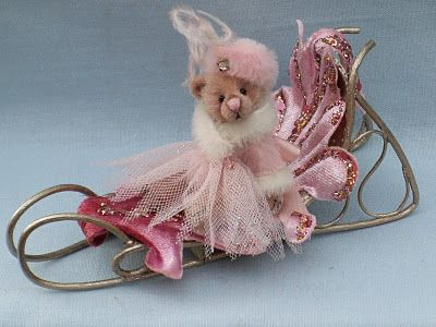 LOUISE PEERS: Alexandra Bear and her Pink Sleigh! I had to pin this!