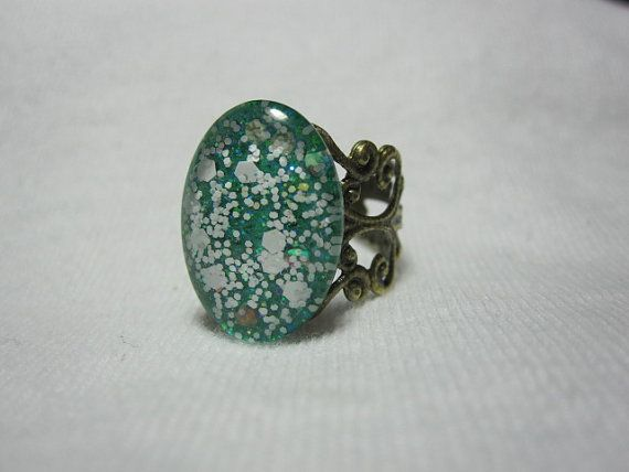 Oval Nail Polish Ring  Emerald Green With by SimplyBornCrafty, $7.99