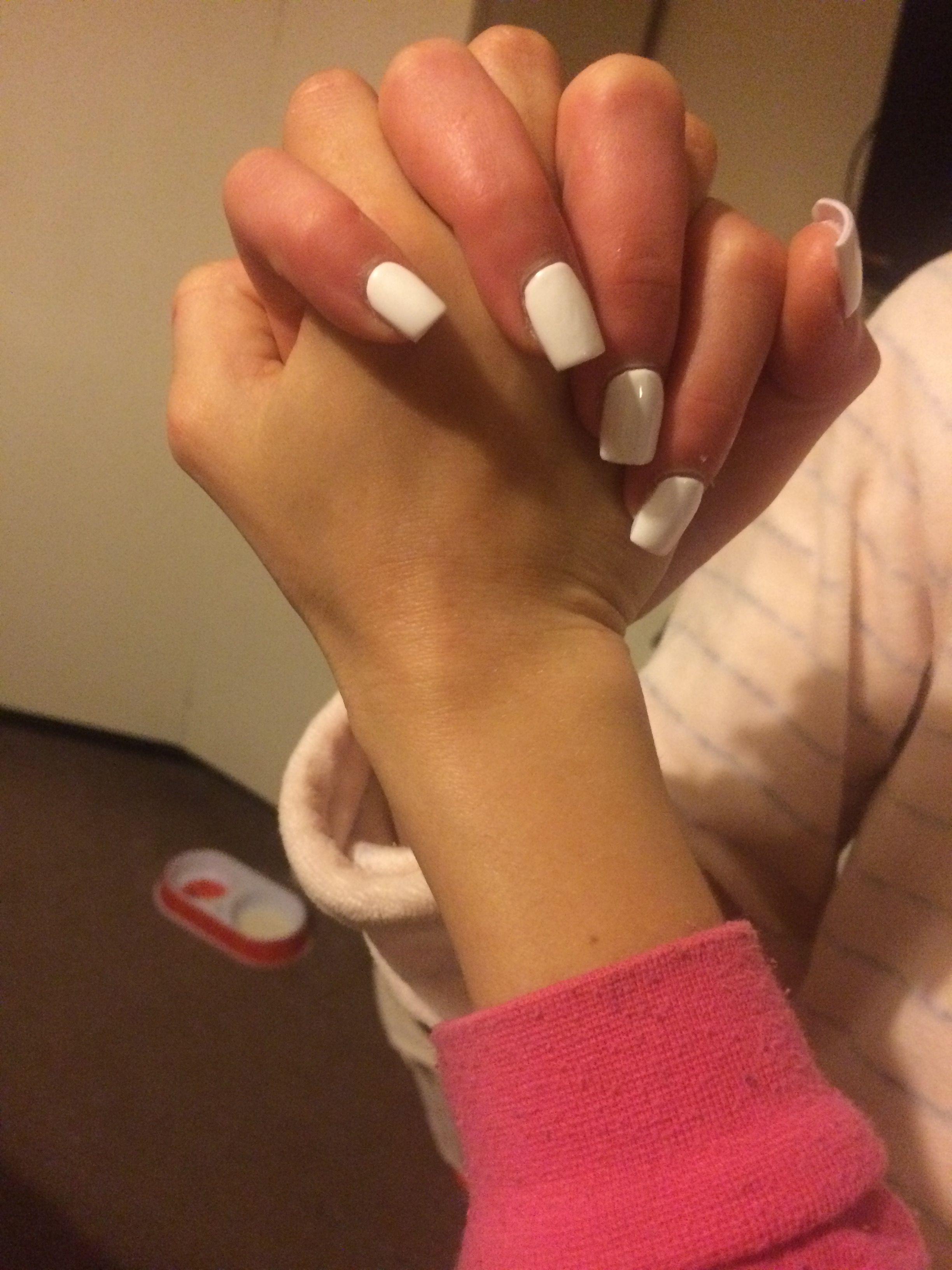 White Acrylics Holding Hands With Cuz White Acrylics Acrylic Nails