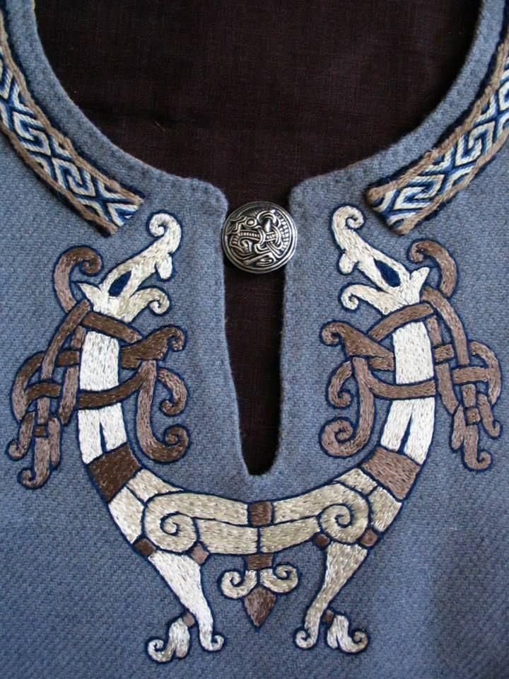 795da1352bef5 Pin od používateľa Ja na nástenke vikings dress | Učenie