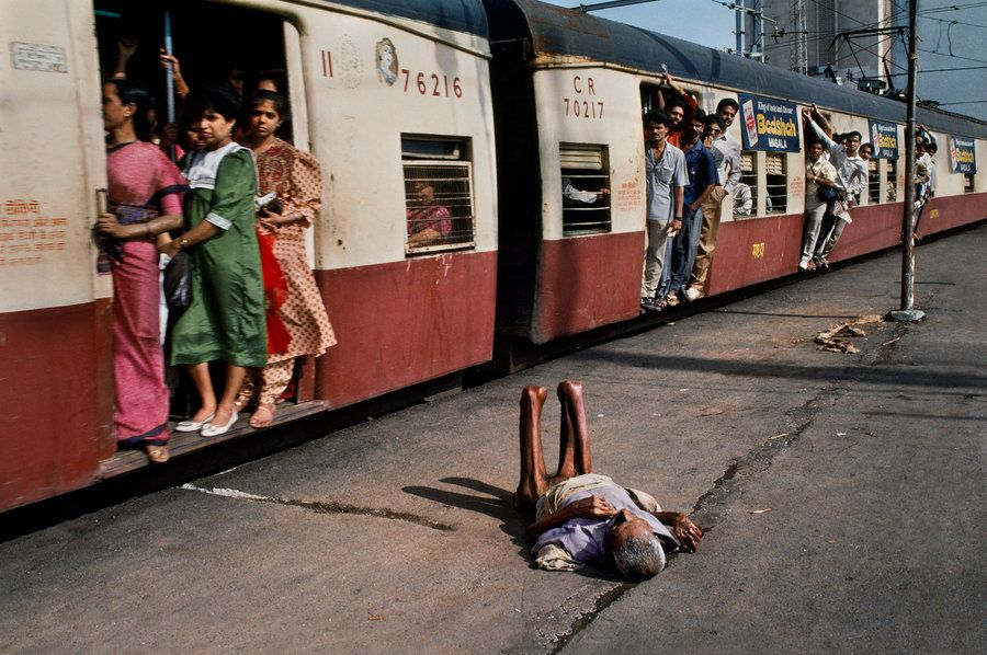 A Photographer Captures Extraordinary Moments Of Everyday Indian