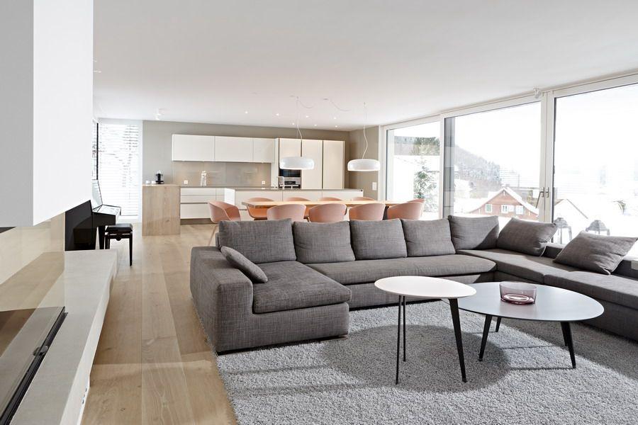 Essbereich Mit Massivem Holztisch, Riva. Stühle About A