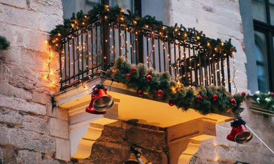 Christmas Balcony in 2020   Christmas apartment, Outdoor ...
