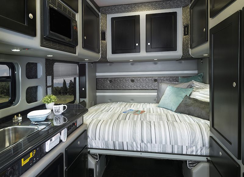 Semi Truck With Bathroom Kraisee Com Tractor Trailers Semi Trucks Interior Custom Trucks