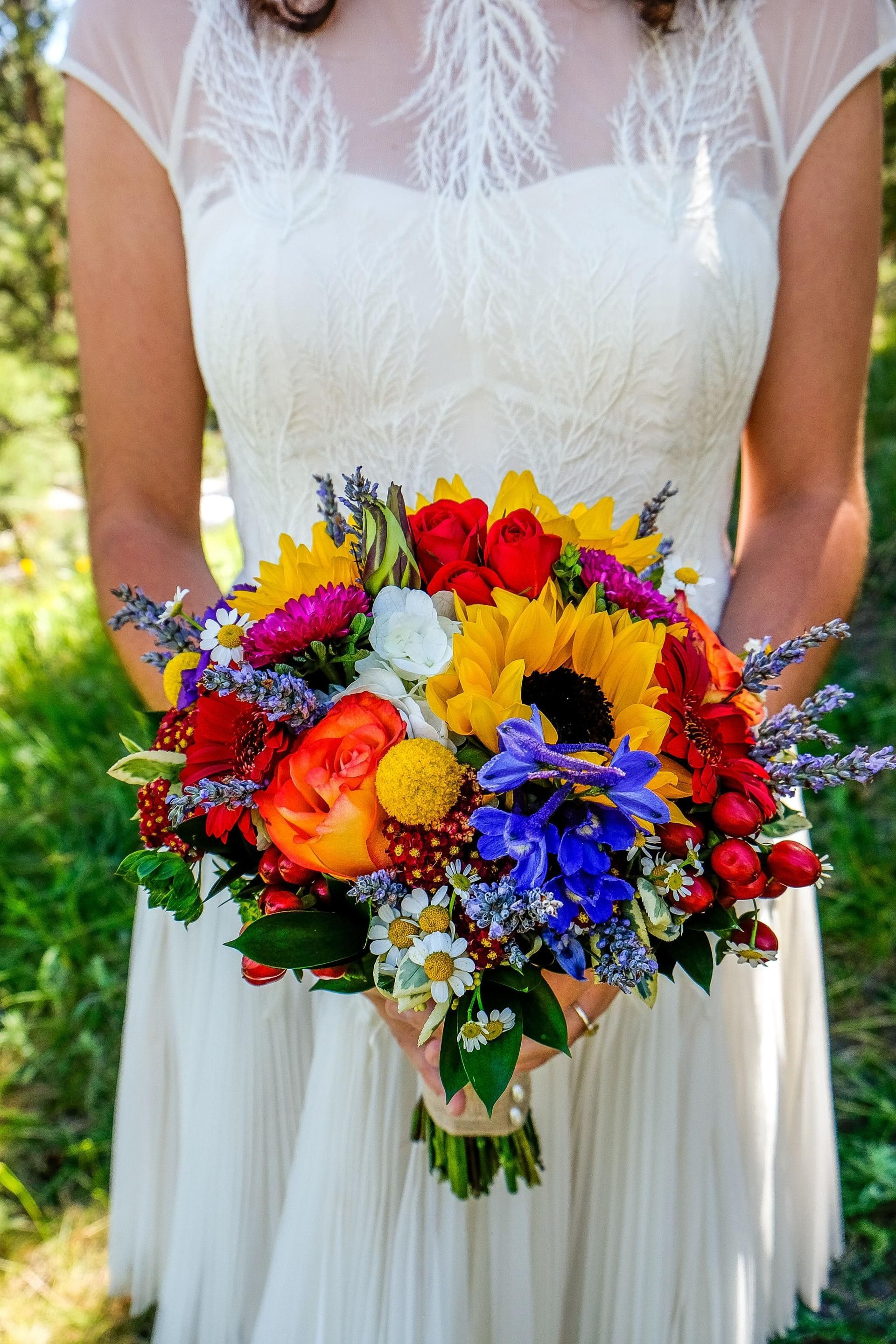 The Perfect Wedding Flowers for a SeasonThemed Wedding