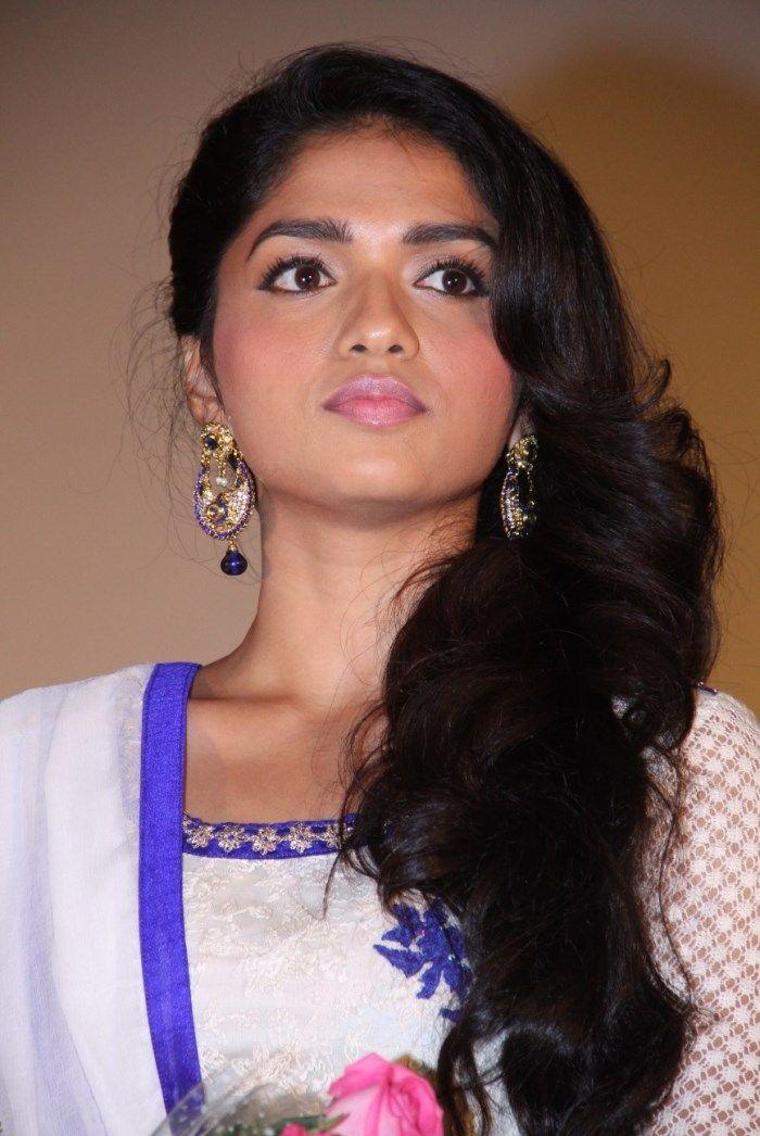 Tamil Actress Sunaina Pics, Sunaina Images, Sunaina Photos 564×503