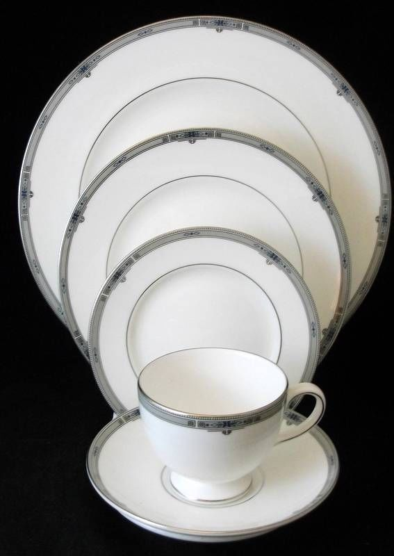 WEDGWOOD AMHERST 2 OF THE 5 PIECE PLACE SETTINGS BONE CHINA