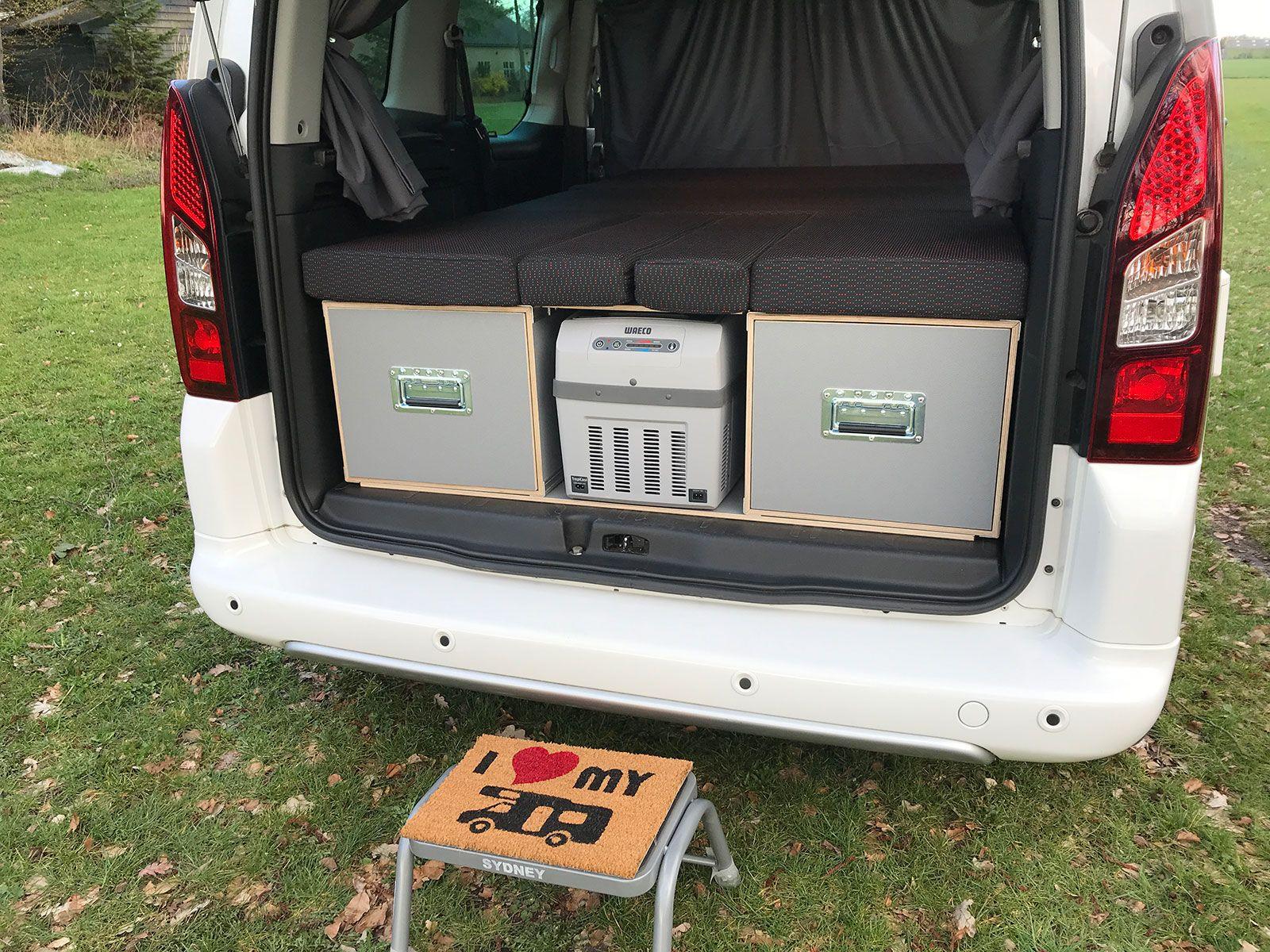 Mica Camper Box With Seating Kitchen And Bed Modules 3dotzero Automotive Bv In 2020 Camper Mini Camper Fiat Doblo