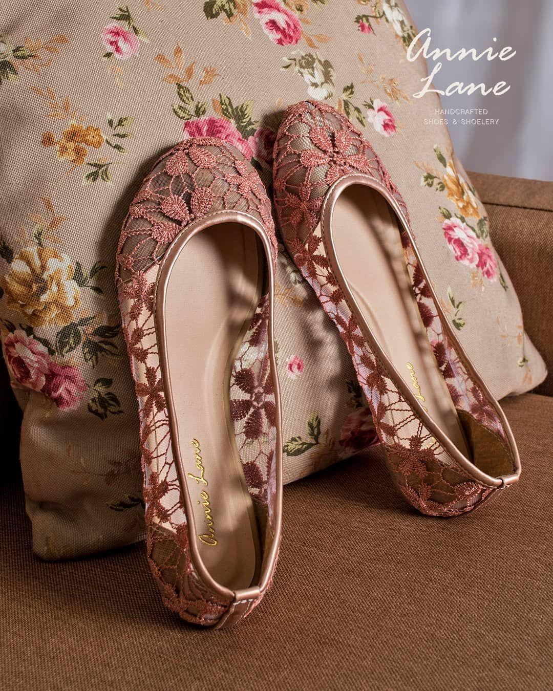 d143ccb48548 SEPATU BROKAT - Flatshoes MARY Pink Harga   Rp. 299.000- Warna   Merah muda
