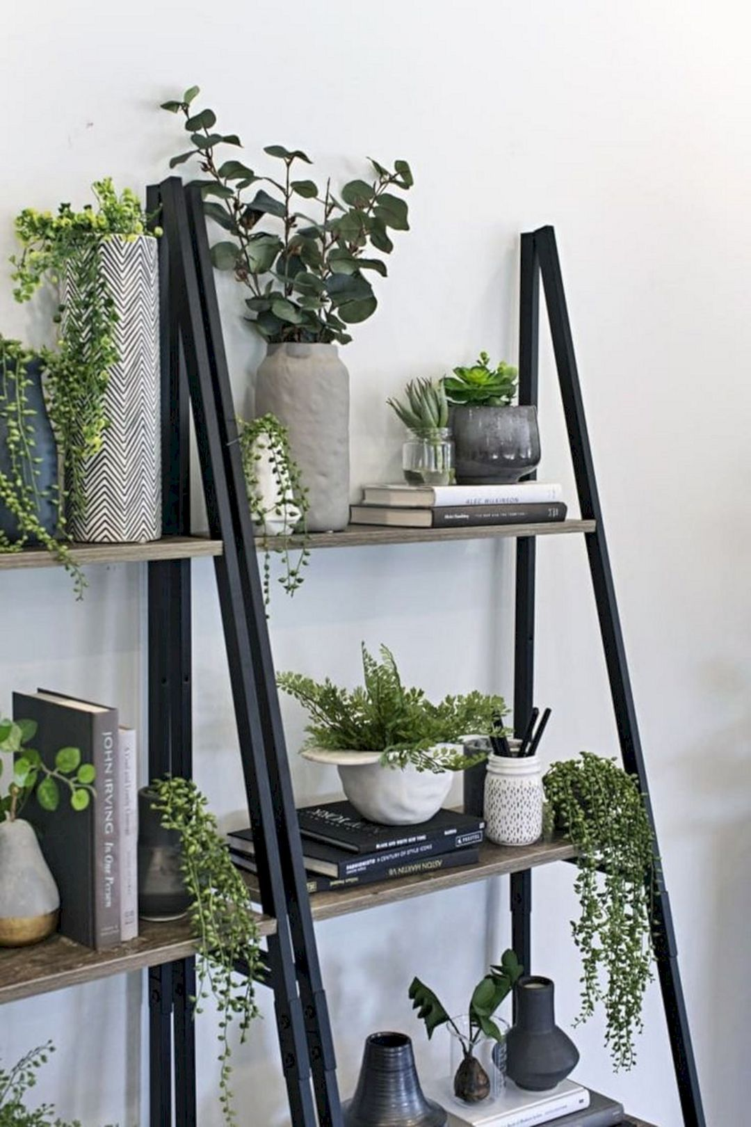 14 Stunning Living Room Decoration With Ladder Plants Ideas