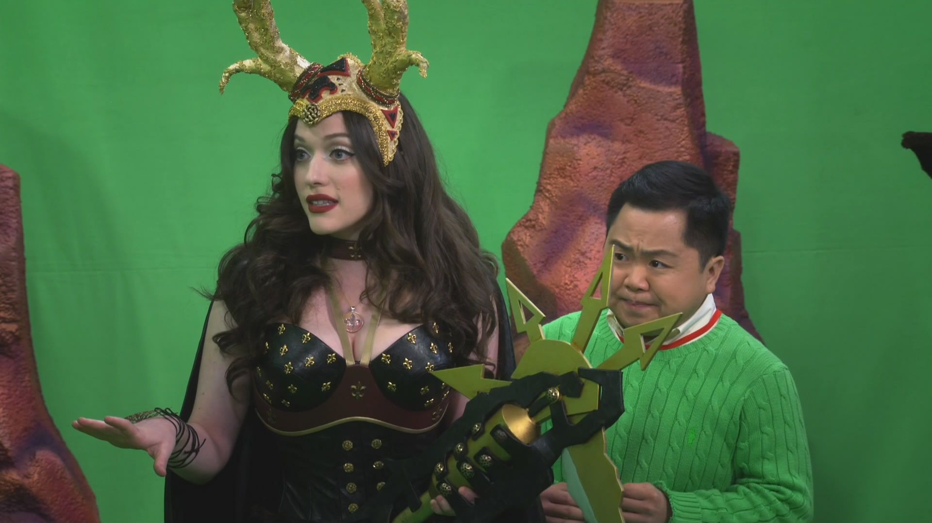 Kat Dennings - 2 Broke Girls S05 E11 And the Booth Babes