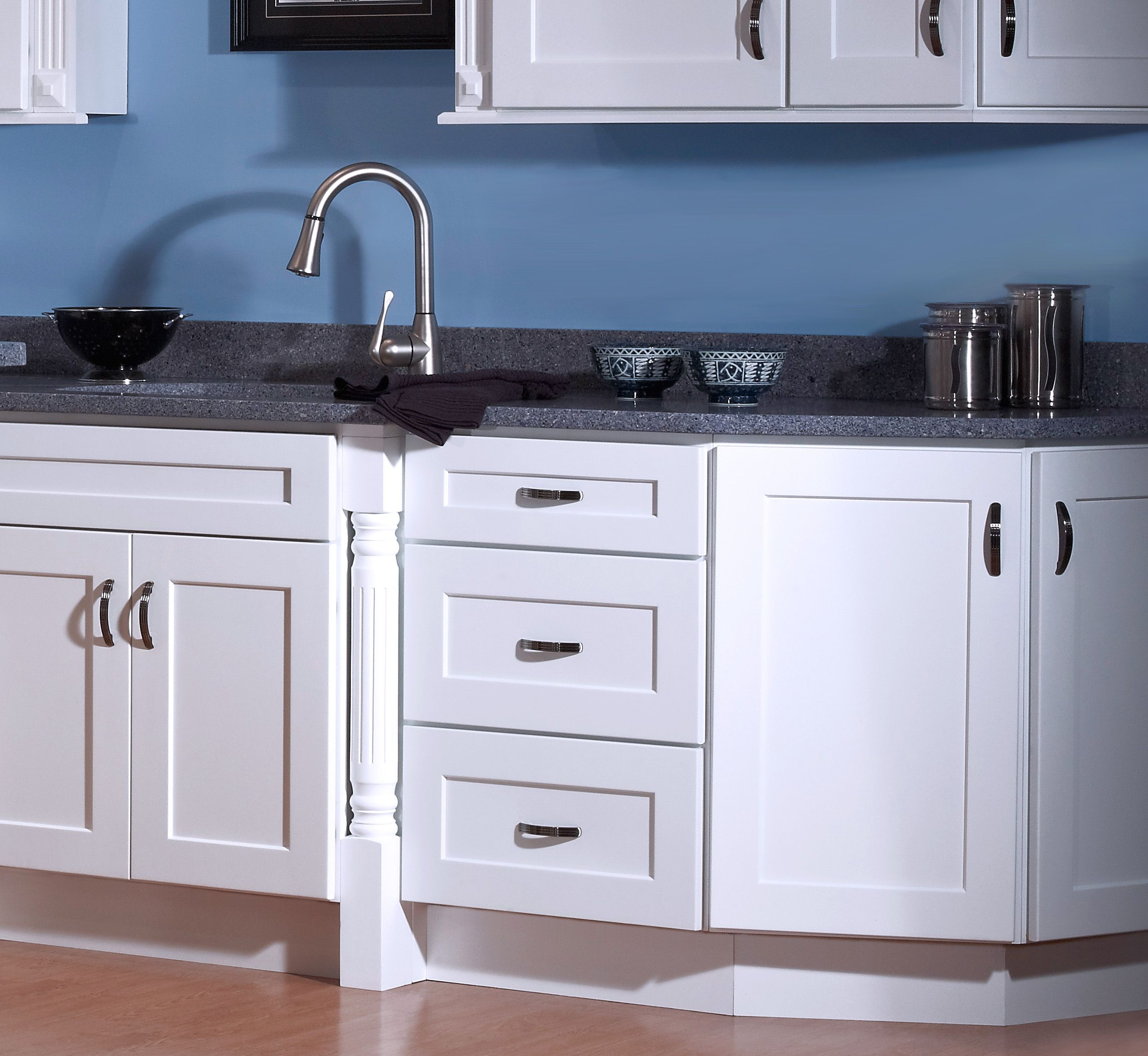 Get clean look w/ Dover White Shaker RTA Cabinets | For the Home ...