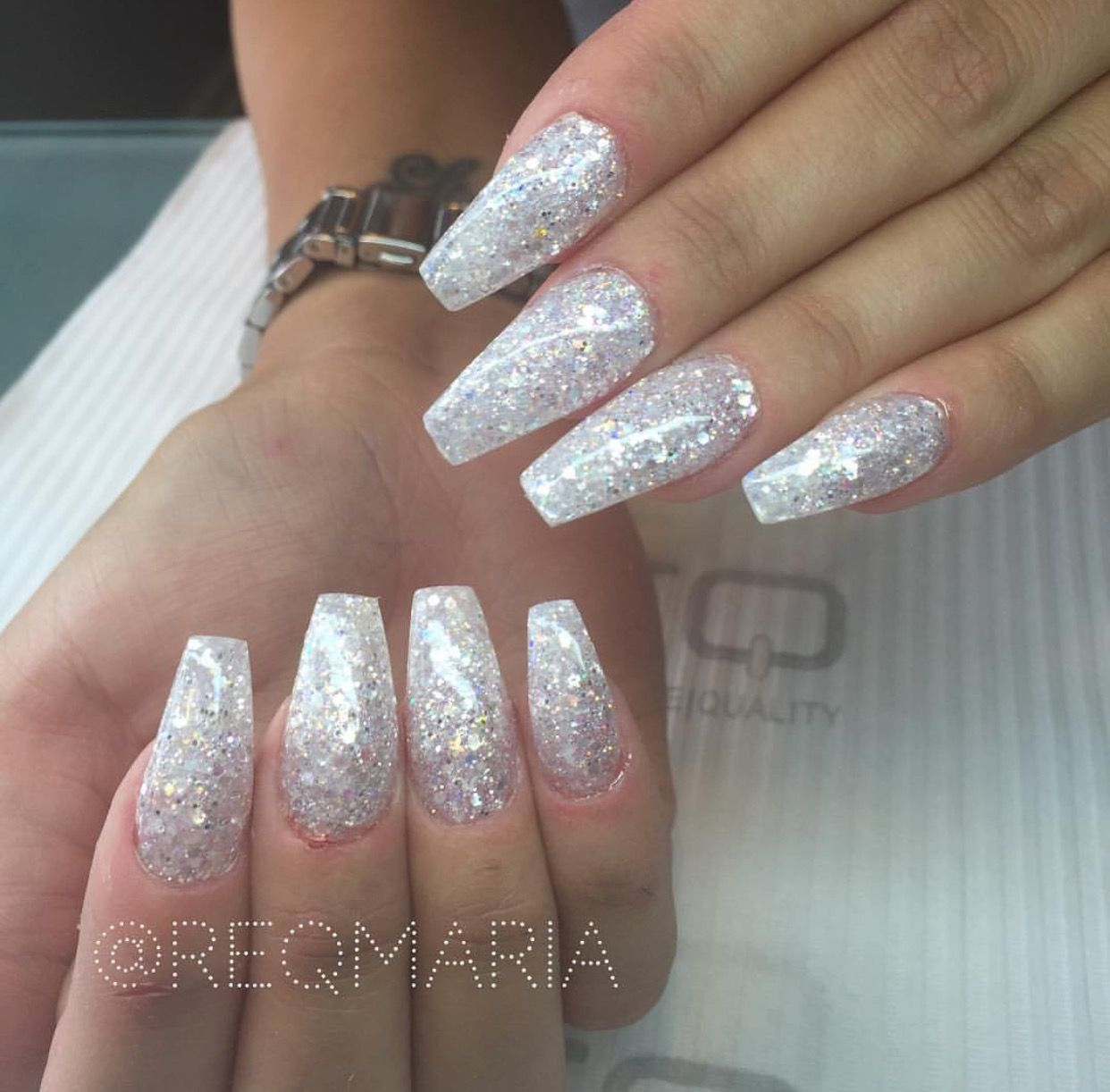 Pin By Iamkween On Nail Party Sparkle Acrylic Nails Sparkly Nails Silver Nails