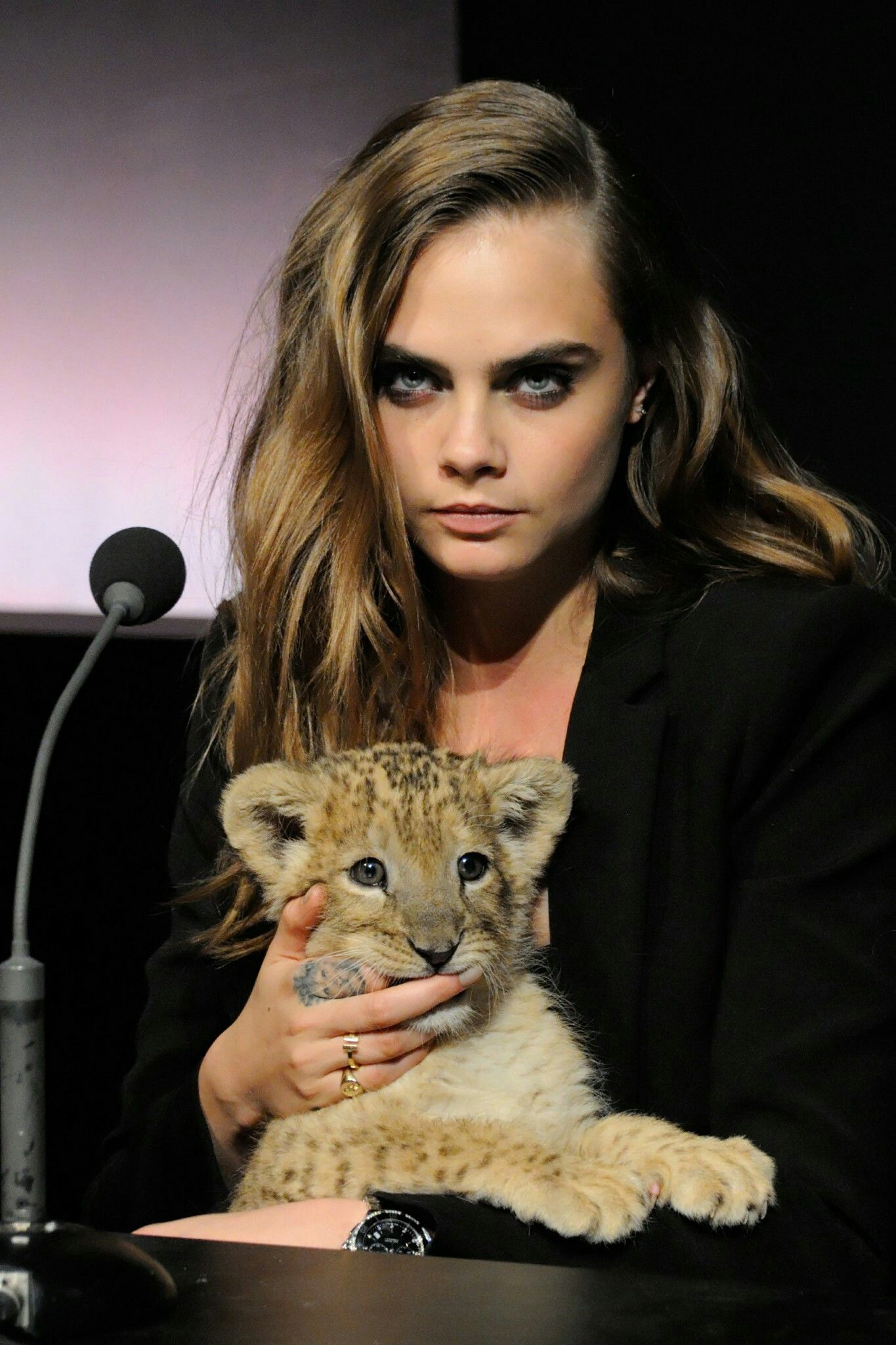 Lion Cub Female Models Delevingne Face Bikini Sweet Book Fashion Ideas Lions Confidence