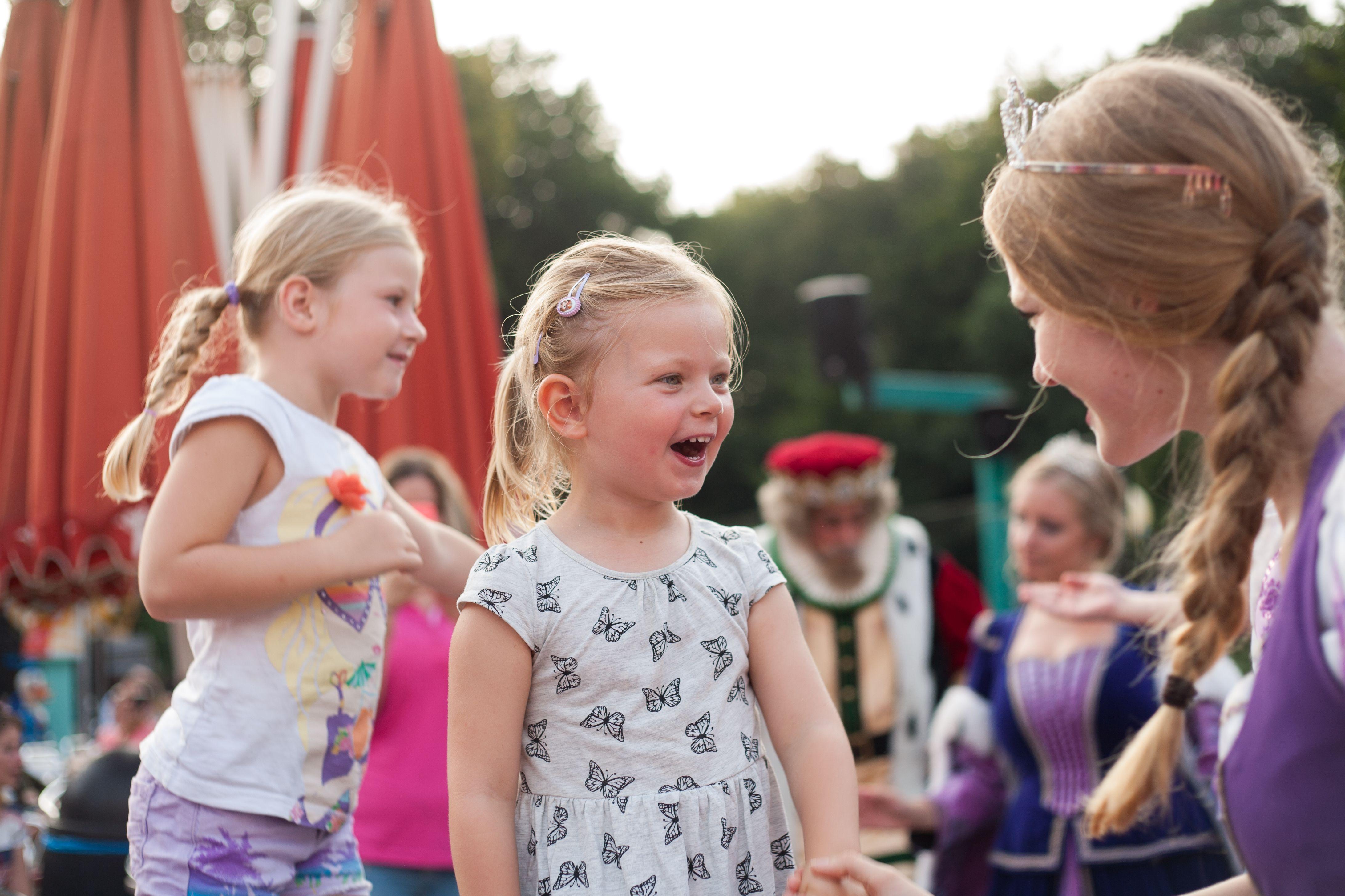 Pin Van Julianatoren Op Afas Sprookjesweken Jurken Voor Bloemenmeisjes Dansen