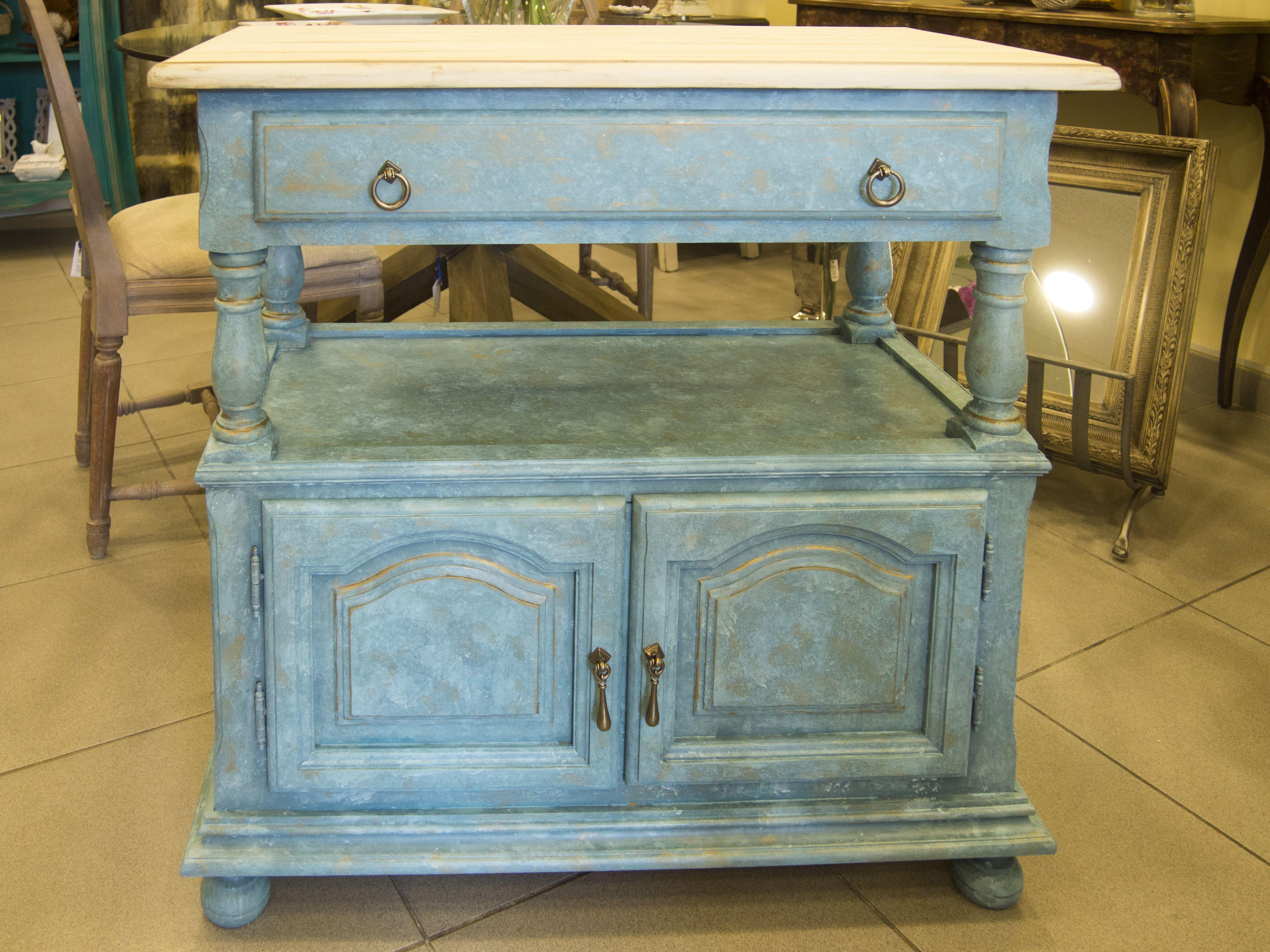 mueble estilo provenzal pintado en tonos azules a la tecnica de la esponja tapa